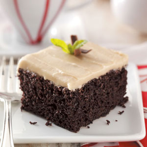 The Thrillbilly Gourmet: Old Fashioned Chocolate Mayonnaise Cake