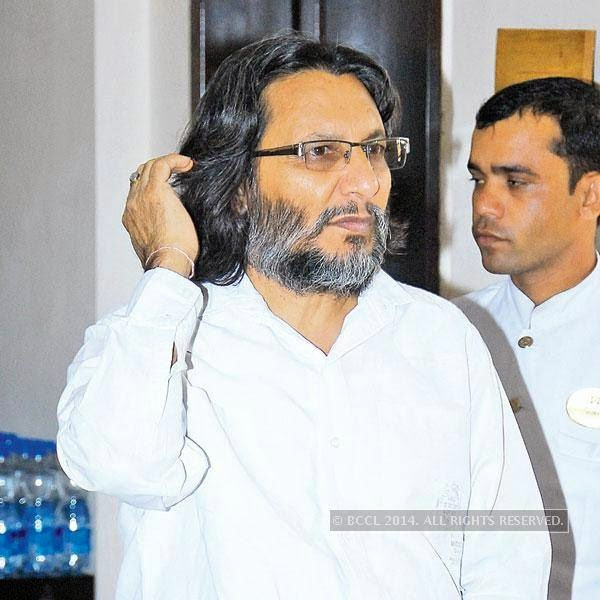 Surendra Pal Joshi during an interaction with the art community of Jaipur.