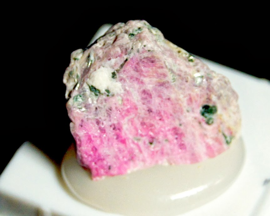 Colección de Minerales Fluorescentes - Página 3 Rubi%252C+corindon