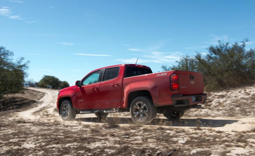 Chevrolet Colorado 2016 là một chiếc xe đa năng và đi được mọi địa hình