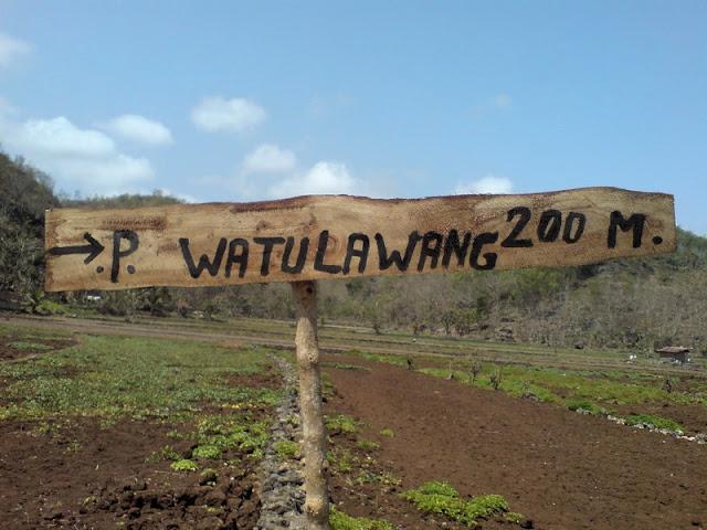 Pantai Watu Lawang : Plang Penunjuk Pantai