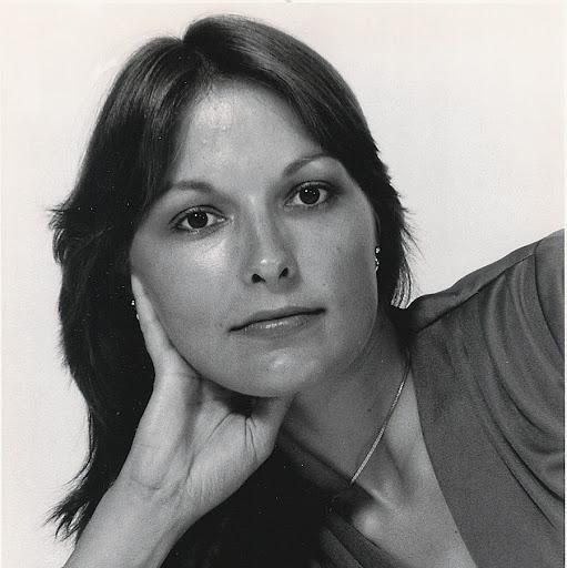 Linda Gentry Photo 18