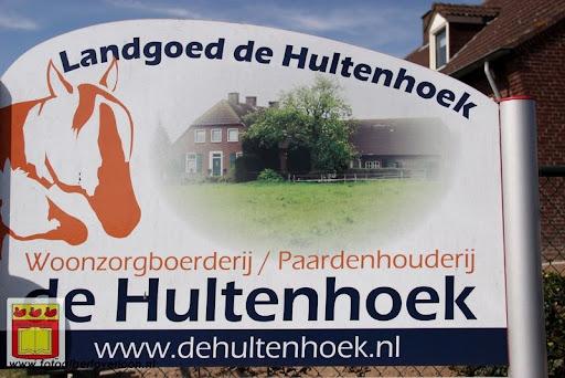 burgemeester opent rijhal de Hultenbroek in groeningen 01-09-2012 (1).JPG