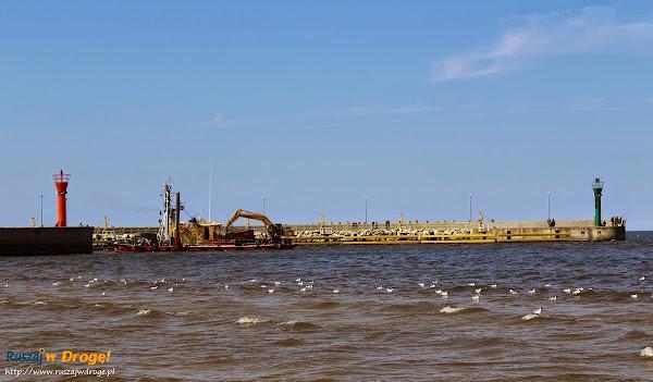 wejście do portu w Łebie