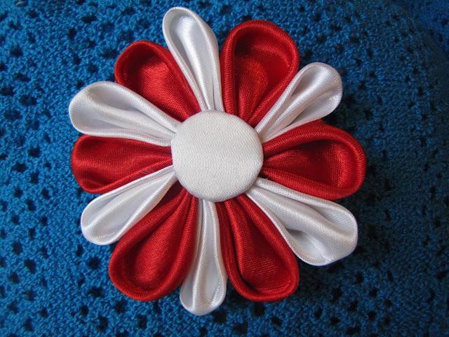 Brose handmade floricica 1 Martie