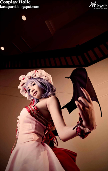 touhou project cosplay - remilia scarlet by tsugumi-san
