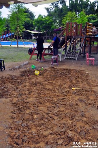 沐卉親子農場沙坑堆沙區