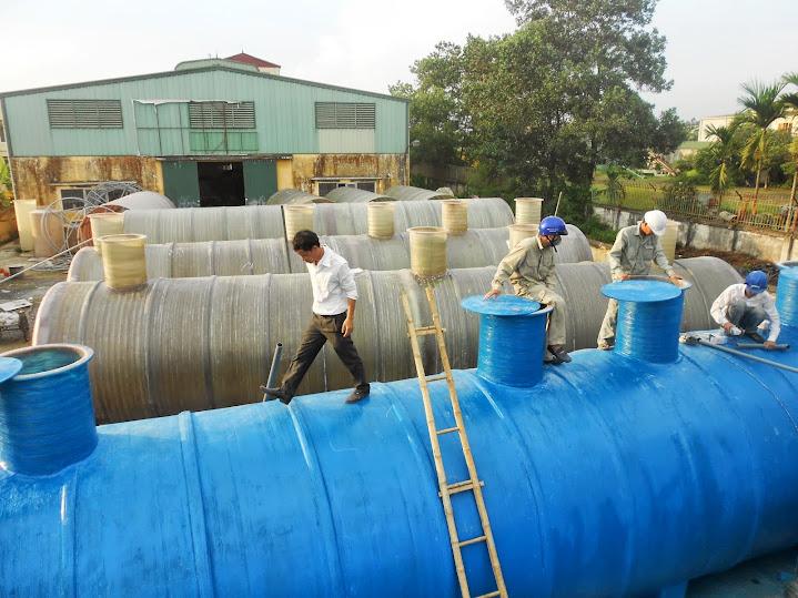 Kiểm tra bồn composite xử lý nước thải trước khi xuất xưởng
