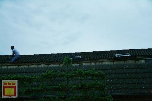 Noodweer zorgt voor ravage in Overloon 10-05-2012 (22).JPG