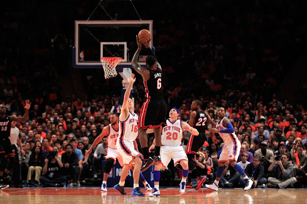 King James Debuts LeBron 9 Lows Oncourt JayZ Mangos