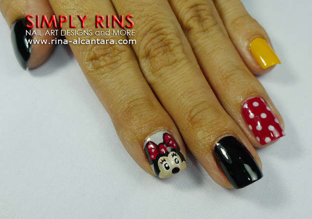 Mickey Mouse nail art design 01