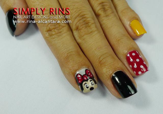 Mickey Mouse nail art design 01