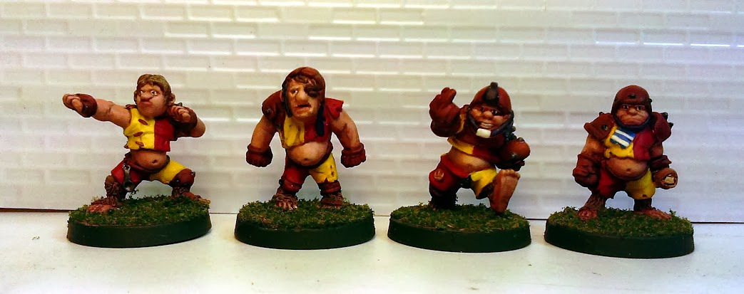 WH.Halfling.Group1.Finished.jpg