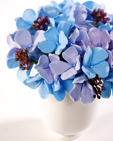 Crafter Diane Phillips joined Martha to create a clay hydrangea arrangement. (http://www.marthastewart.com/266348/clay-flowers)