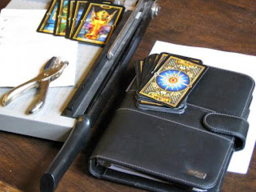 Re Purposing An Old Day Planner Into A Tarot Journalcase