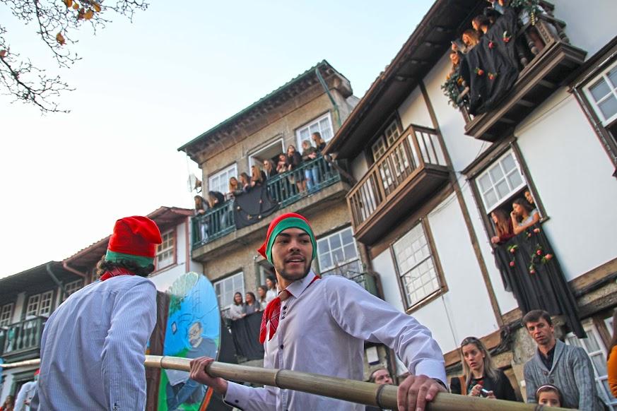 Visitar Guimarães durante as FESTAS NICOLINAS (e o Pinheiro) | Portugal