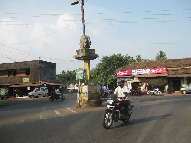 junction that comes on the way to colva beach, on nh17