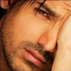 كفكف دموعك الدنيا ماتستاهل