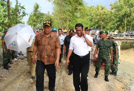 berita dan foto menteri pertanian kunjungi Ngawi Jawa Timur