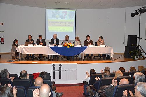 Debate no auditório da Escola Técnica Empresarial do Oeste