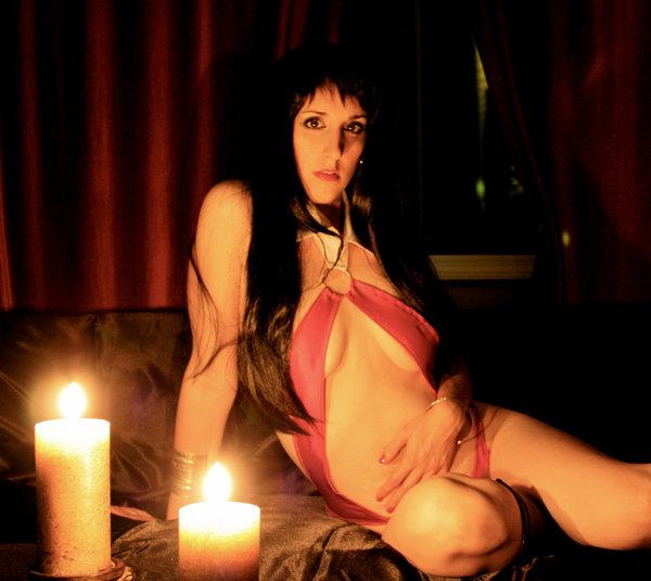 Vampirella by cosplaynut