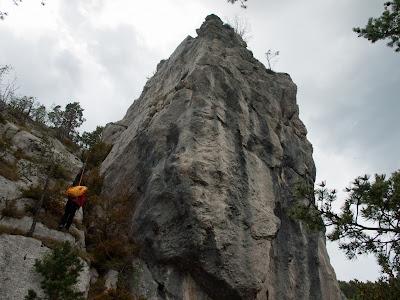 Baixem després d'escalar una petita agulla fàcil (III)