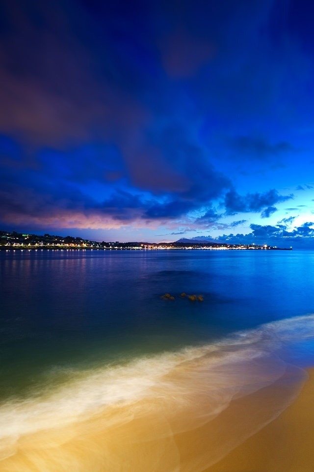 Blue Sunset Beachfront Picture Wallpaper For iPhone4
