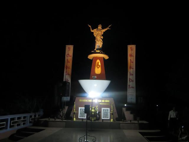 Hình ảnh đêm tỉnh nguyện tại đất Thánh Giáo Xứ ( tối mộng bảy tháng giêng)