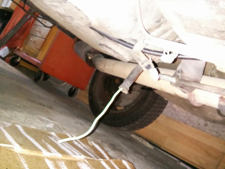 [Tuto] Changement durites essence sortie réservoir IMG_20130906_100215