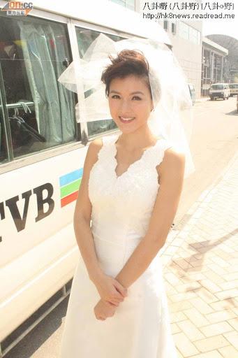 陳茵媺穿上婚紗更加迷人。