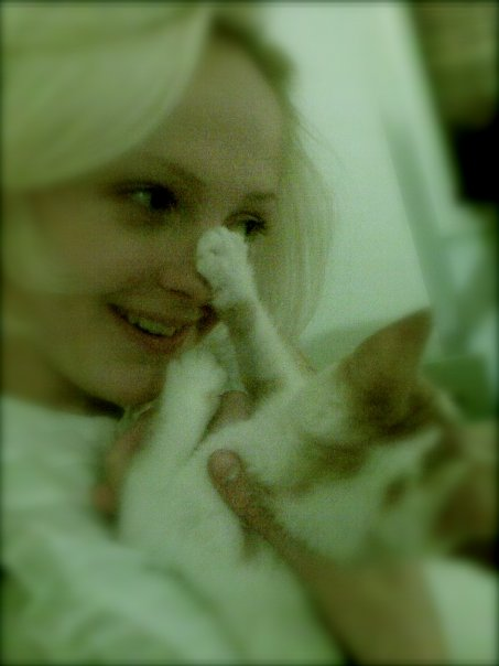 Laura Marling and a cat