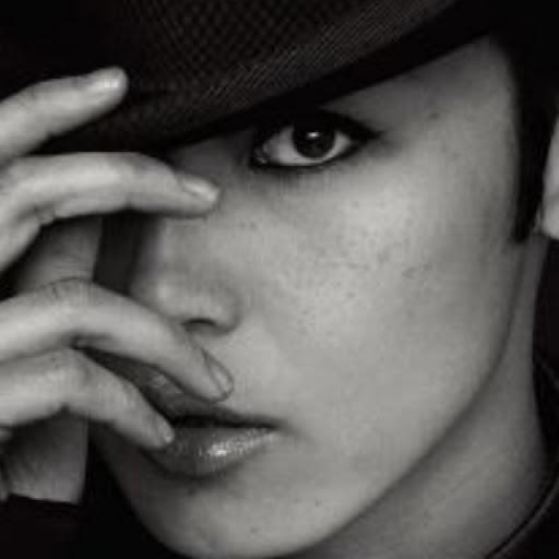 Denise Lam Photo 21