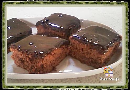 Bolo de chocolate com calda de mel 1