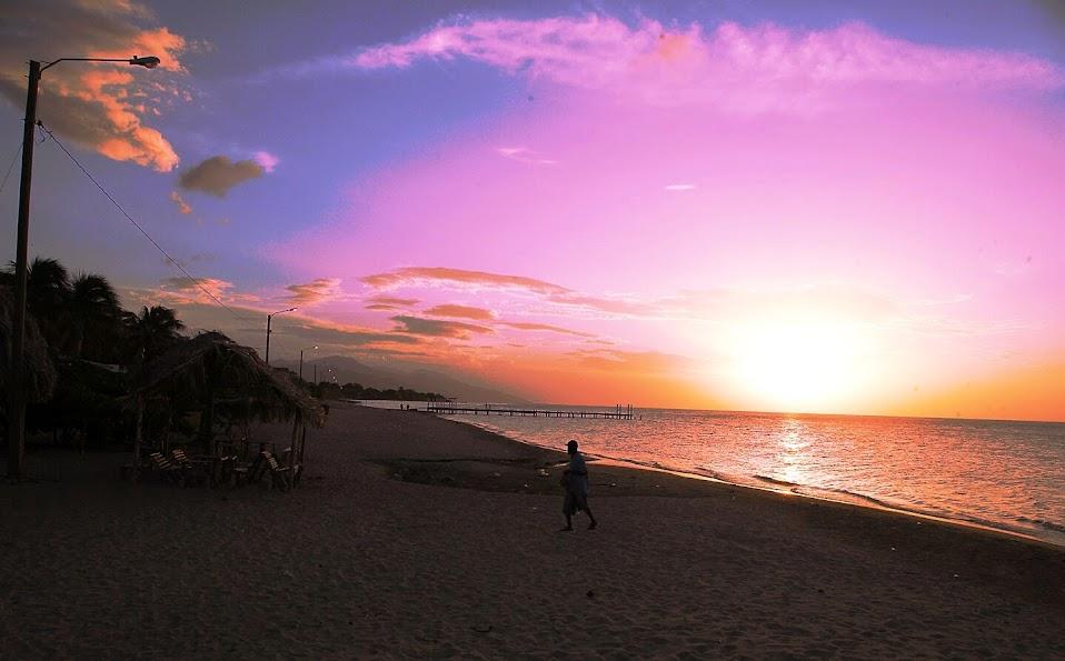 las 10 mejores playas de honduras para disfrutar en verano