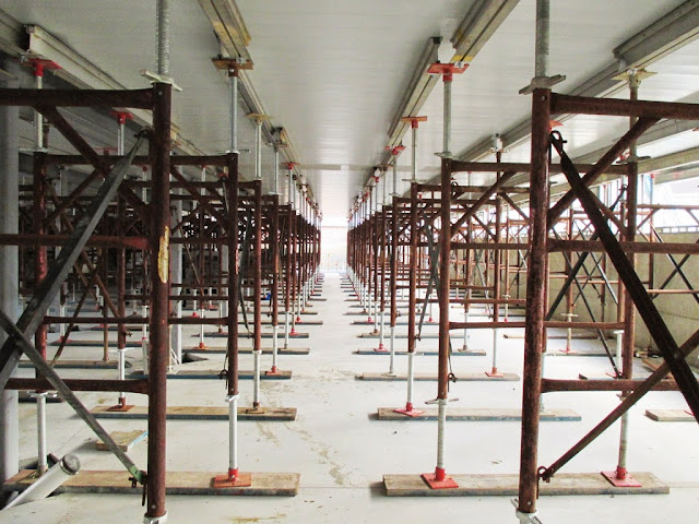 Aluminum Shoring Jacks : Maze of hi load shoring frames for retirement community