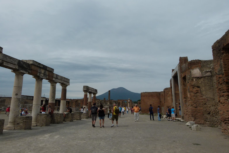 Vesuvius still looms over Pompeii
