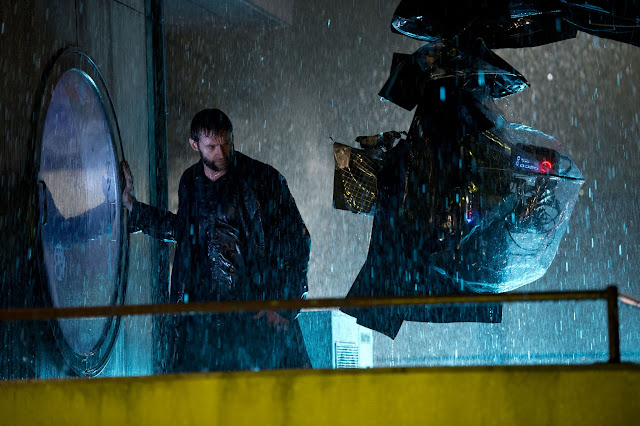 The Wolverine Hugh Jackman rain on set in Japan