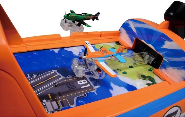 Đồ chơi mô phỏng bay với âm thanh và hình nền chuyển động hết sức thú vị