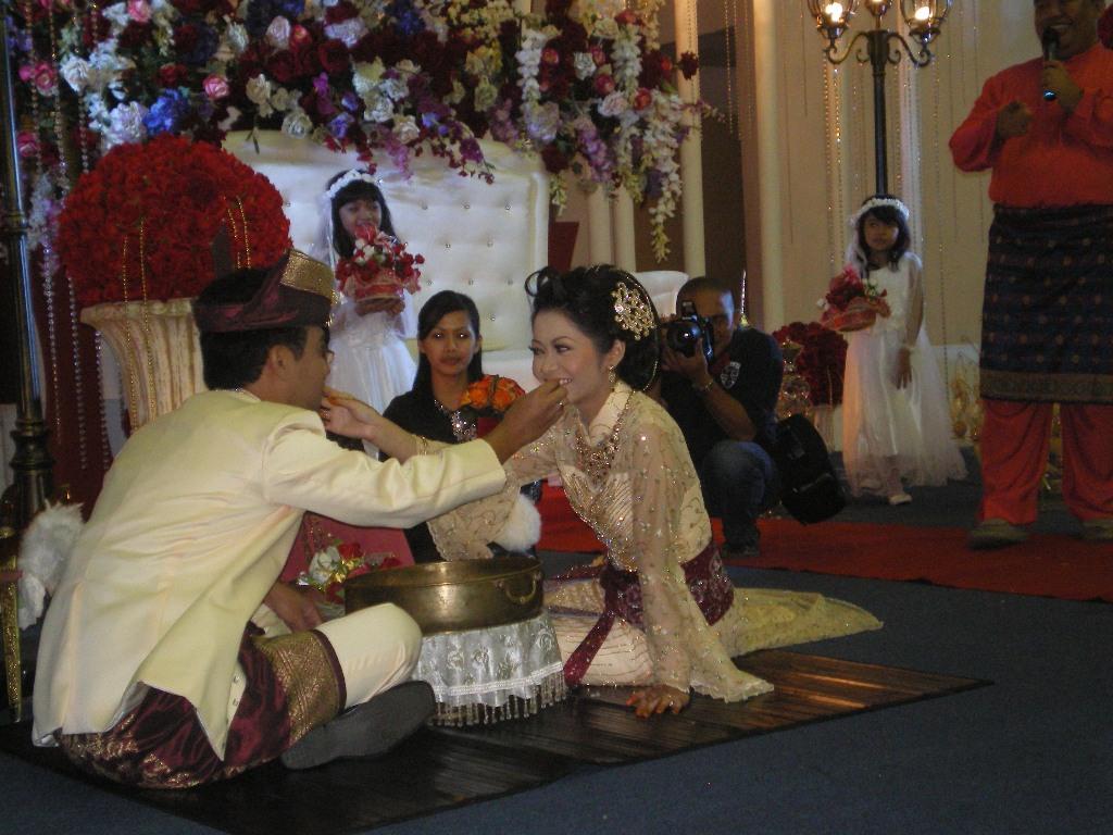 Ceritera Eyana Adat Sarawakian Persediaan Semasa