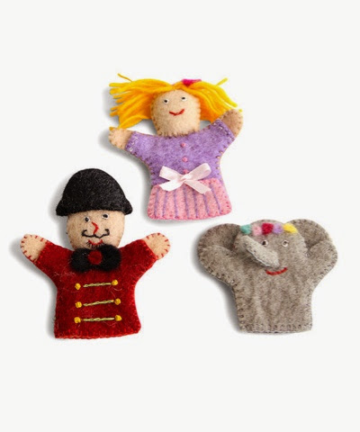 En Gry Sif Circus Puppets