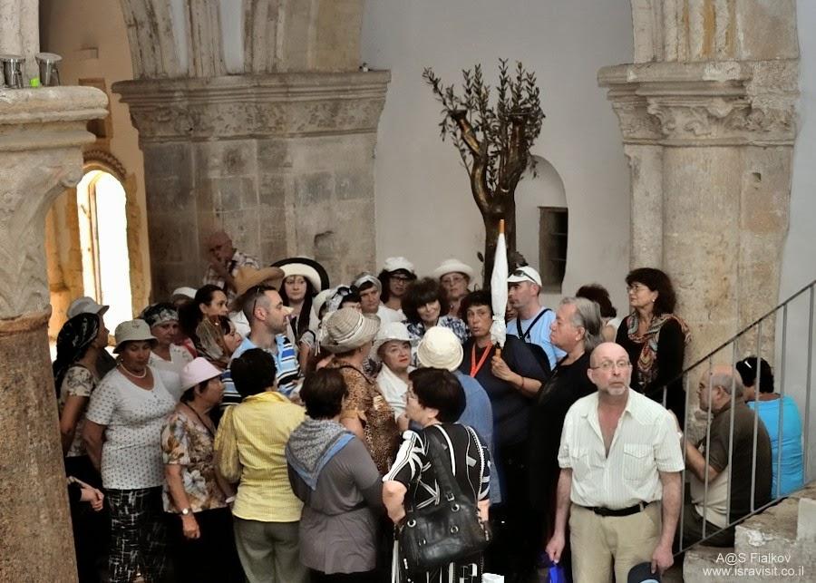 Сио́нская го́рница или Го́рница Та́йной Ве́чери. Экскурсия Иерусалим Христианский. Гид в Иерусалиме Светлана Фиалкова.
