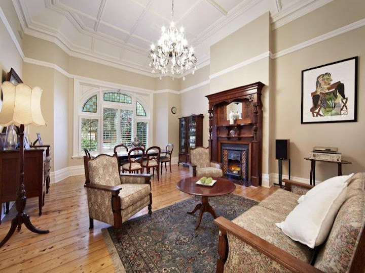 Cosy Federation sitting room at Travancore, 608 Riversdale Rd Camberwell (1899)