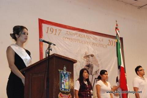 Reina de la Fundación Nerely Serna en honores a la bandera