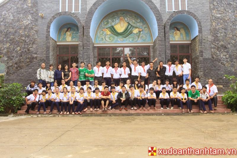 Các Huynh Trưởng Xứ Đoàn Thánh Tâm và trai sinh