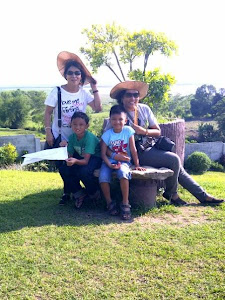 Ilocos Lola, Lola Mina and Migs