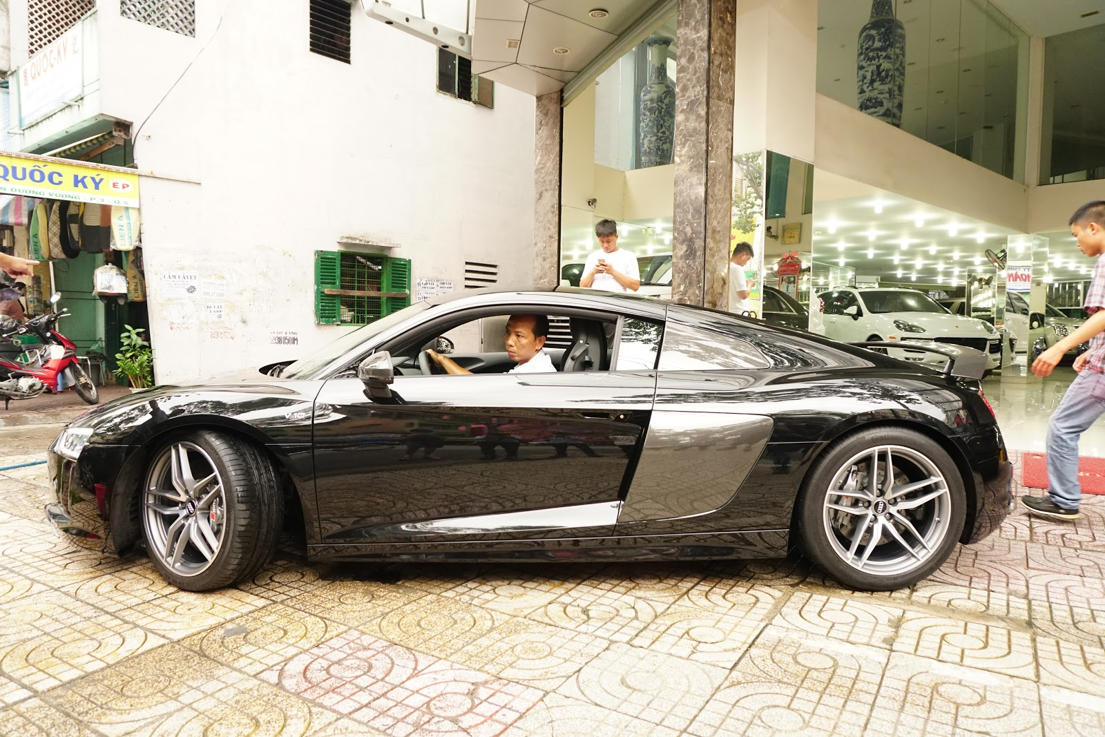 Audi R8 V10 Plus là siêu xe đỉnh nhất của Audi thời điểm hiện tại