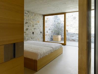 12 Самые красивые дома мира | Фото интерьера каменного дома в Швейцарии