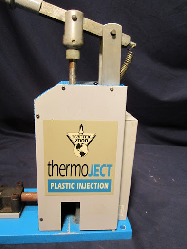 Plastic Injection Molding Machine Scantek Thermoject