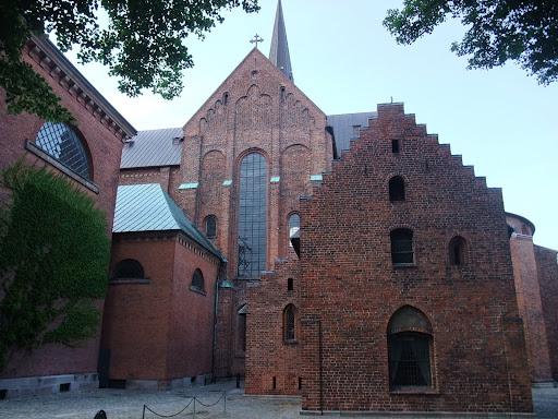 聖堂の側壁