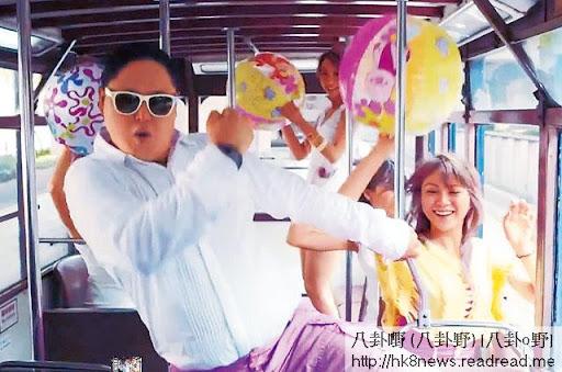 肥 Wil同 PSY外形近似,照抄《江南 Style》 MV,成功跳出幕前。